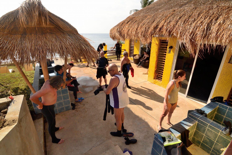 Tauchbasis des Buceo Anilao Beach & Dive Resort