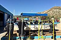 Tauchboote werden zur Ausfahrt klar gemacht