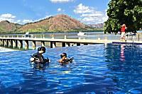 die Tauchbasis nutzt auch den Swimmingpool des Resorts für die Tauchausbildung