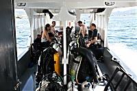 Innenansicht des geräumigen Tauchbootes