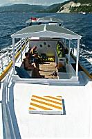 Tagesausfahrt mit dem geräumigen Tauchboot