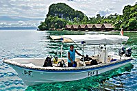 Tauchboote mit Sonnendach