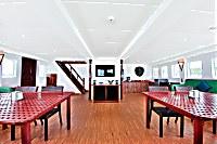 Geräumiger Lounge-Bereich