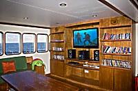 Lese- und TV-Ecke in der Lounge