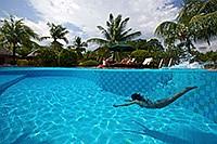 Großer Swimmingpool im Amontillado Beach & Dive Resort