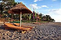 Strand vor dem Apo Reef Club