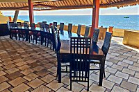 Blick in das halboffene Restaurant