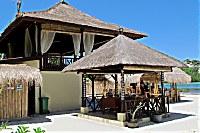 Haupthaus und Restaurant des Ceningan Resort