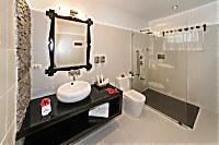Blick in ein Superior Badezimmer