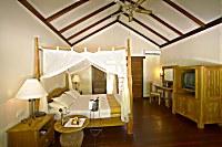 Innenansicht einer Deluxe-Villa im Filitheyo Resort