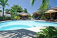 Swimmingpool im Magic Island Resort