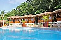 Swimmingpool des Magic Oceans Dive Resort