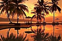 Blick auf dem Sonnenuntergang vom Maluku Resort & Spa