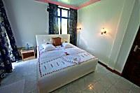 Innenansicht eines Doppelzimmers in der Manta Lodge