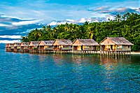 Bungalows des Papua Paradise Eco Resort