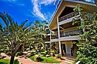 Eingang zum Pinjalo Resort