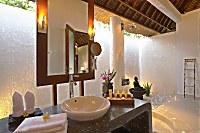 halboffene Badezimmer eines Superior-Bungalows