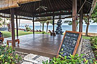 Yoga-Pavillon mit Meerblick