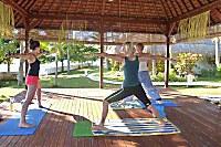Yoga im Siddhartha Ocean Front Resort & Spa