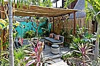 Lounge im Gartenbereich