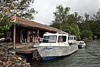 Tauchboot des Walindi Dive Center